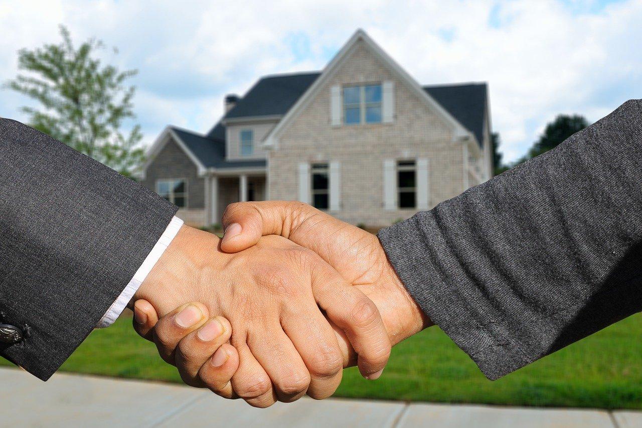 כמה לוקח עורך דין על מכירת דירה